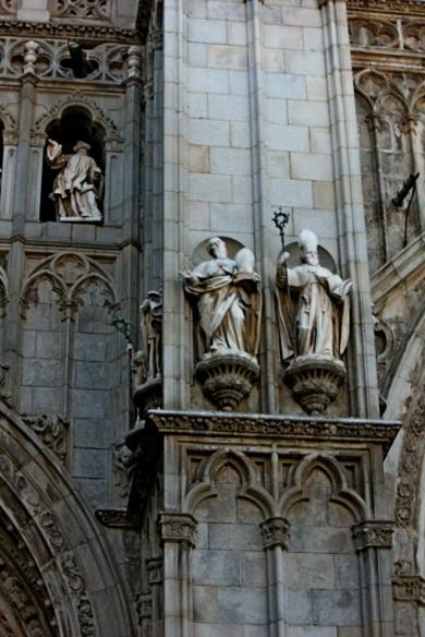 FACADE DETAIL OF A CHURCH IN TOLEDO4