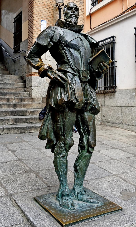 MIGUEL DE CERVANTES STATUE2