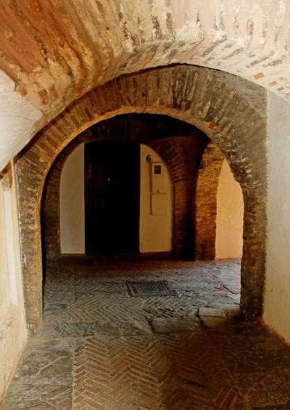 4. ANCIENT STREET2